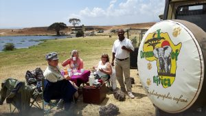 Picknick lunch at Hippo Pool in Ngorongoro Crater in Tanzania